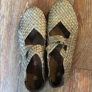 BM Bernie Mev gold basket weave shoes